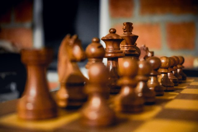 brown-wooden-chess-piece-set-2323562